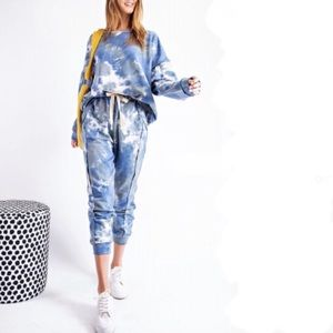 EASEL Tie Dye Set in blue and gray